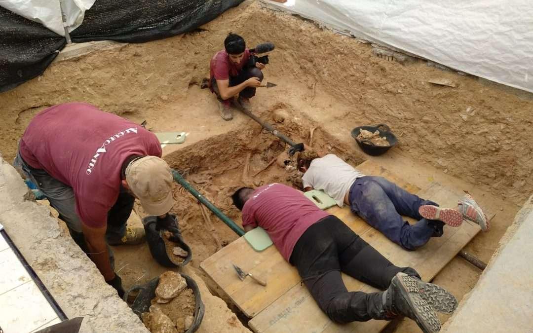Reinicio de los trabajos de excavación y exhumación en la Fosa 94 de Paterna (Valencia)